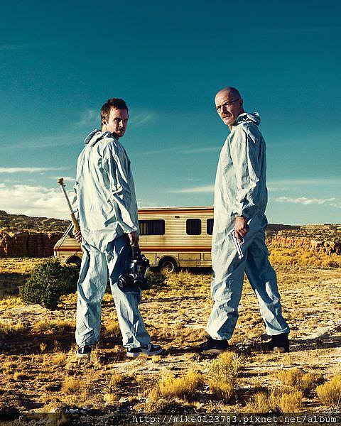 傑西‧平克曼(亞倫‧保羅)與 沃特‧懷特(布萊恩‧克蘭斯頓)1-圖片提供c 2008 Ben Leuner,AMC