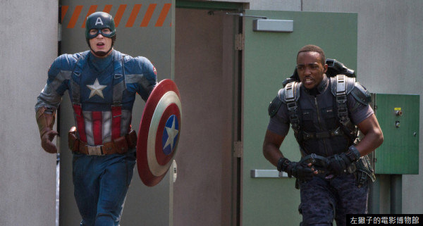 EXCLUSIVE*************** 2014 SPRING MOVIE SNEAKS FOR JANUARY 12, 2014. DO NOT USE PRIOR TO PUBLICATION.*********** Chris Evans stars as Captain America/Steve Rogers and Anthony Mackie as Falcon/Sam Wilson in the movie CAPTAIN AMERICA: THE WINTER SOLIDER. Photo Credit: Zade Rosenthal ©Marvel 2014