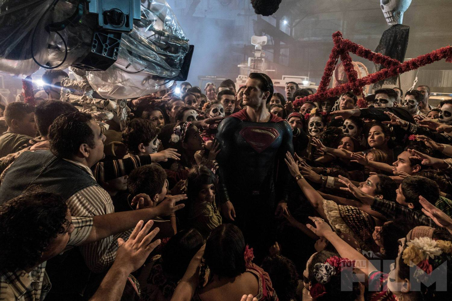 batman-v-superman-henry-cavill-set-photo